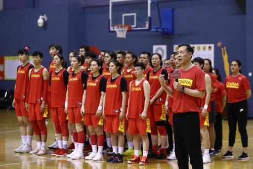 中国女篮热身赛